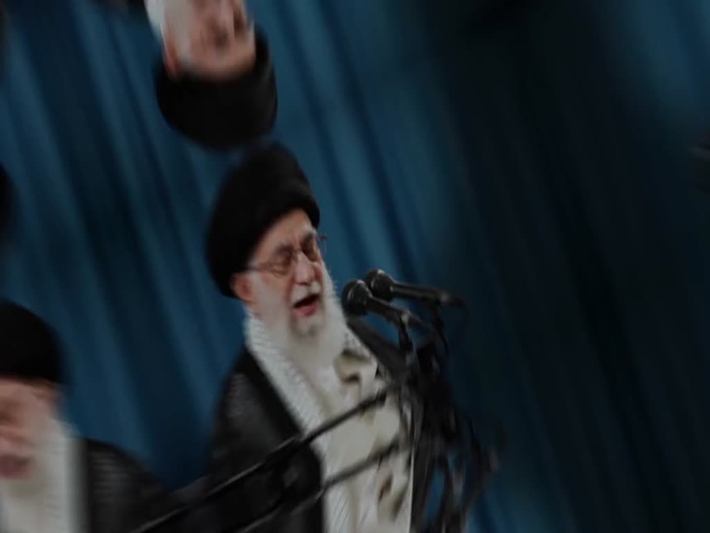 [Clip]  Viewing Hajj as political is precisely taught by Islam: Imam Khamenei - English